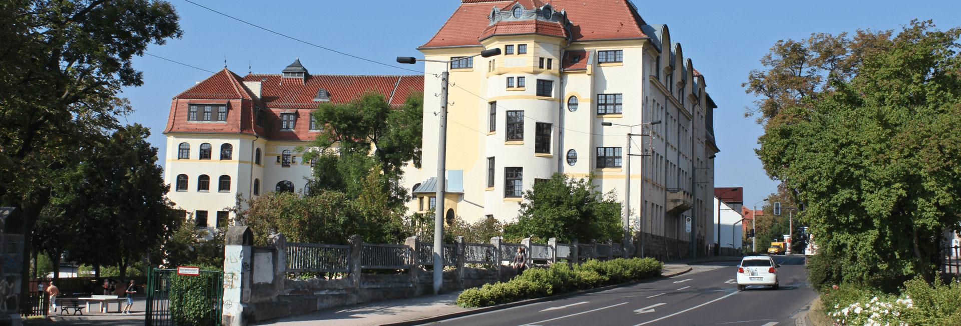 http://www.arnoldi-gym.de/wp-content/uploads/2016/08/schule-strasse-header-arnoldi2.jpg