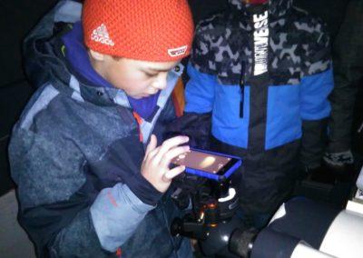 Fotografieren mit Handy am Teleskop