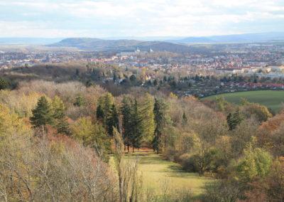Blick vom Bürgerturm auf Galberg, Gotha mit Schloss Friedenstein, Kleinen und Großen Seeberg sowie im Hintergrund Landschaft der Drei Gleichen