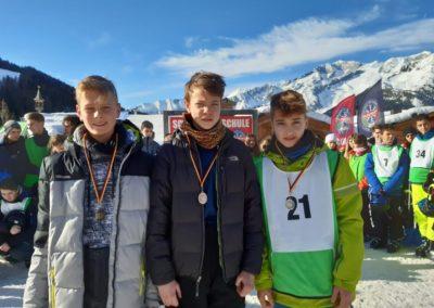 Skilager; 2020; 11
